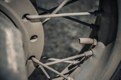 A oxidação e a sujeira rodam como estão na guerra imagens de stock