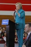 OXNARD, CA - 4 DE JUNHO DE 2016: secretário de estado anterior Hillary Cl Imagens de Stock
