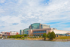 OXON HILL, MARYLAND, USA – SEPTEMBER 11: National Harbor waterfront buildings on September 11, 2016. The resort, restaurants and shops attract tourists and Royalty Free Stock Photos