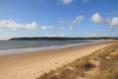 Oxwich海湾, Gower,南威尔士看法  免版税库存图片