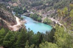 Oymapinar Baraji - grüner See Lizenzfreie Stockfotos