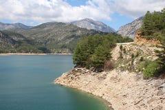 Oymapinar Baraji - lago verde fotos de stock