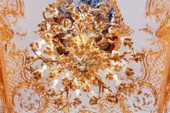 Ozdobny świecznik w eremu muzeum sztuki i kultura w Świątobliwym Petersburg, Rosja w zima pałac obrazy royalty free