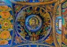 Ozdobny wnętrze i ikony wybawiciel na Rozlewałam krwi lub katedra rezurekcja Chrystus w Świątobliwym Petersburg, Rosja obrazy royalty free