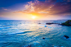 Ozean auf Sonnenuntergang stockbilder