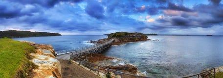Ozean-bloßes Sonnenaufgang-Panorama neu Lizenzfreie Stockfotos