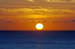 Ozean-Sonnenaufgang Lizenzfreie Stockbilder