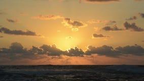 Ozean-Sonnenaufgang stock video