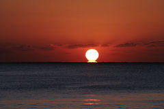 Ozean-Sonnenaufgang Lizenzfreie Stockfotografie