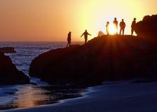 Ozean-Sonnenuntergang-Beobachter stockfoto