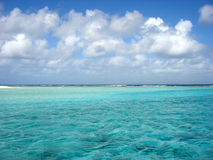 Ozean u. Himmel stockbild