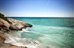 Ozean und Felshügel Lizenzfreies Stockbild