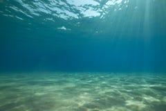 Ozean und Sonne. stockbild