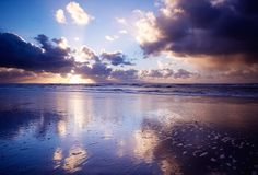 Ozean und Sonnenuntergang lizenzfreie stockbilder