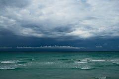 Ozean vor Sturm stockfotografie