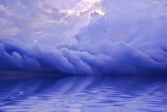 Ozeansonnenaufgang-Hintergrund Lizenzfreie Stockfotos