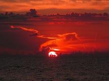 Ozeansonnenuntergang Stockfoto