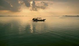 Ozeansonnenuntergang-Hintergrund Stockfotos