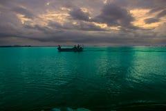 Ozeansonnenuntergang-Hintergrund Stockfoto