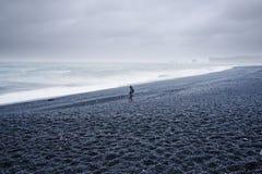 Ozeanstrand in einem Sturm Stockfotos