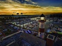 Ozeanufer-Hafen bei Sonnenuntergang Stockfotografie