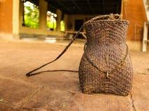 Łozinowy kosz rolnik zdjęcie royalty free