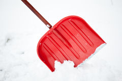 Pá para a remoção de neve imagens de stock royalty free