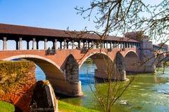 Pádua cobriu a ponte sobre o rio de Ticino imagem de stock royalty free