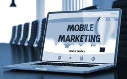 Página da aterrissagem do portátil com conceito móvel do mercado 3d Imagens de Stock Royalty Free