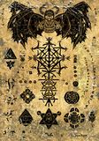 A página mágica do livro com demônio do diabo e os símbolos do mal no papel velho textured o fundo ilustração stock