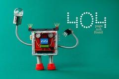 Página não encontrada da página do erro 404 Robô com a lâmpada da ampola à disposição Caráter do brinquedo do divertimento no fun Foto de Stock