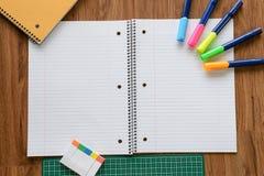 Página vazia do caderno e do lápis branco, conceito do negócio Fotografia de Stock Royalty Free
