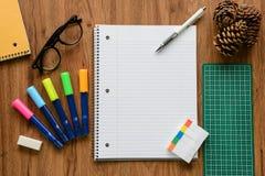 Página vazia do caderno e do lápis branco, conceito do negócio Imagem de Stock Royalty Free