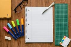 Página vazia do caderno e do lápis branco, conceito do negócio Foto de Stock Royalty Free