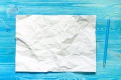 Página y lápiz del papel en blanco Imagen de archivo libre de regalías