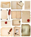 Páginas del libro del vintage, tarjetas, fotos, pedazos aislados en blanco Imagen de archivo libre de regalías