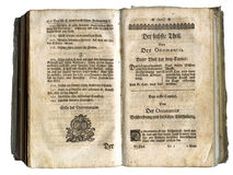 Páginas do livro velho de 1717 Imagem de Stock Royalty Free