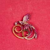 Pájaro de oro de la broche de la joyería Foto de archivo libre de regalías