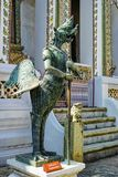 Pájaro de Tantima del palacio magnífico de Tailandia Foto de archivo