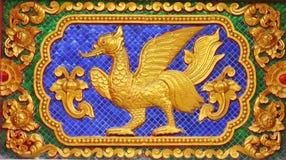 Pájaro del cuento de hadas en arte tailandés tradicional del estilo Imagen de archivo
