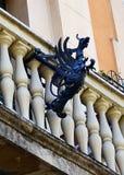 Pájaro mitológico como característica arquitectónica Foto de archivo libre de regalías