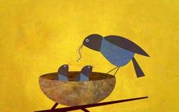 Pájaro y bebés de la madre Fotografía de archivo libre de regalías
