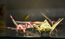Pájaros de la papiroflexia para las decoraciones en la casa foto de archivo libre de regalías