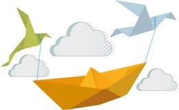 Pájaros de papel del barco y del papel Fotos de archivo libres de regalías