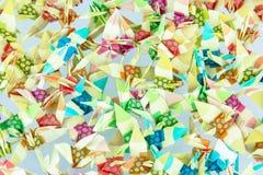 Pájaros de papel en el fondo blanco. Fotografía de archivo libre de regalías