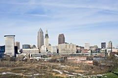 Pájaros sobre Cleveland céntrica Fotografía de archivo