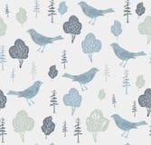 Pájaros y árboles. Imagen de archivo libre de regalías