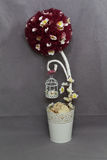 Pájaros y flores de la decoración Fotos de archivo libres de regalías