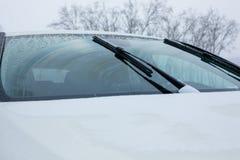 Pára-brisas do carro com limpadores acima Imagem de Stock Royalty Free