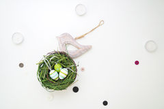 Páscoa ajustada com pássaro de madeira 5 Fotos de Stock Royalty Free